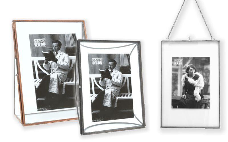 Schwarz-Weiss-Bilder in Rahmen aus Metall