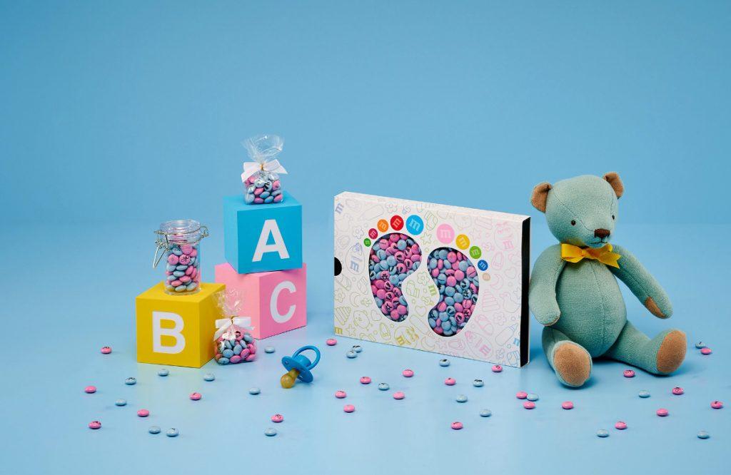personalisierte M&Ms als Babygeschenk mit Teddy