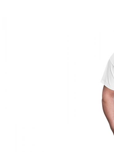 eine Frau und ein Mann mit bedruckten Shirts zu Corona-Verhaltensregeln