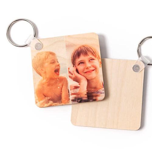 Schlüsselanhänger aus Holz mit Retro-Bild